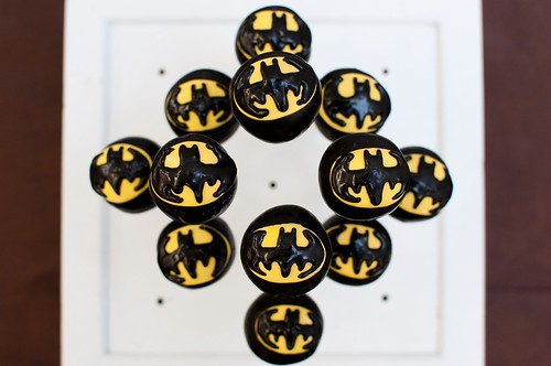 Batman Cake Pops | by Sweet Lauren Cakes