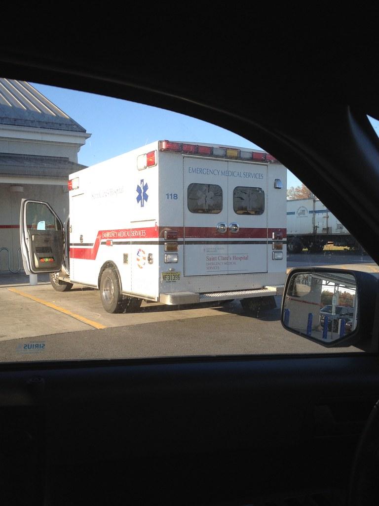 Saint Clare S Hospital Ems Rear Quarter Njn917 Flickr