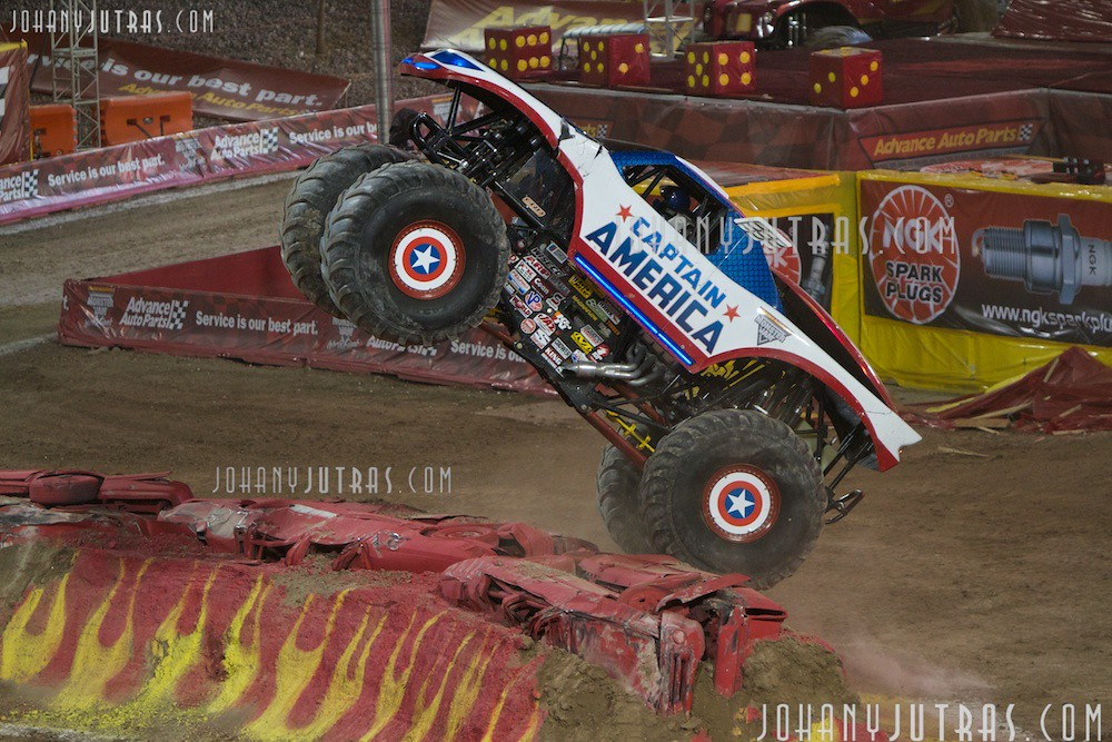 Monster Jam Las Vegas >> Captain America Freestyle Run | Chad Fortune with Captain Am… | Flickr