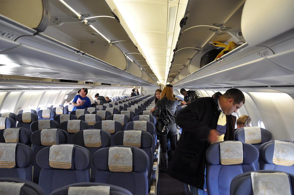Iberia L 237 Neas A 233 Reas De Espa 241 A A340 600 Economy Cabin