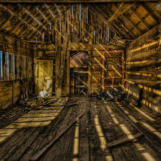 Il vecchio fienile - The old barn | by Tati@