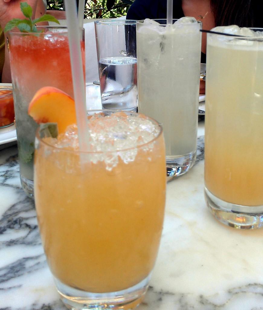 ... cocktails | L to R: Queen's Park Swizzle, Peach Smas… | Flickr