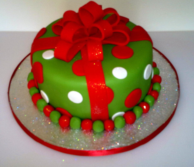 Christmas Cake Decoration Present : Present christmas cake Flickr - Photo Sharing!