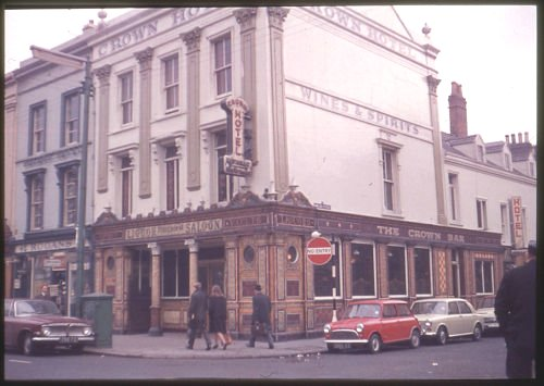 Belfast >> Crown Bar Belfast 1960s | MajorCalloway | Flickr