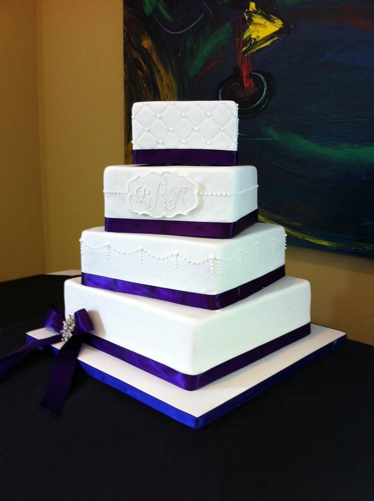 Britney Wedding Cake | Wedding cake: Alternating square tier… | Flickr