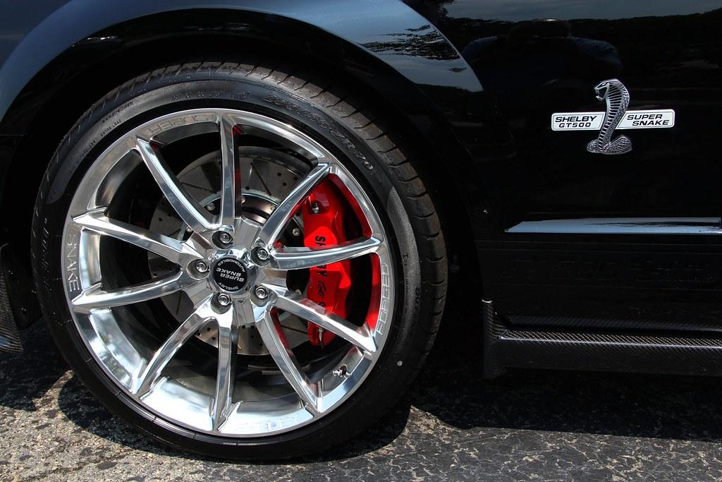 Shelby Super Snake >> Shelby GT500 Super Snake rims and red calipers | Effortlessl… | Flickr