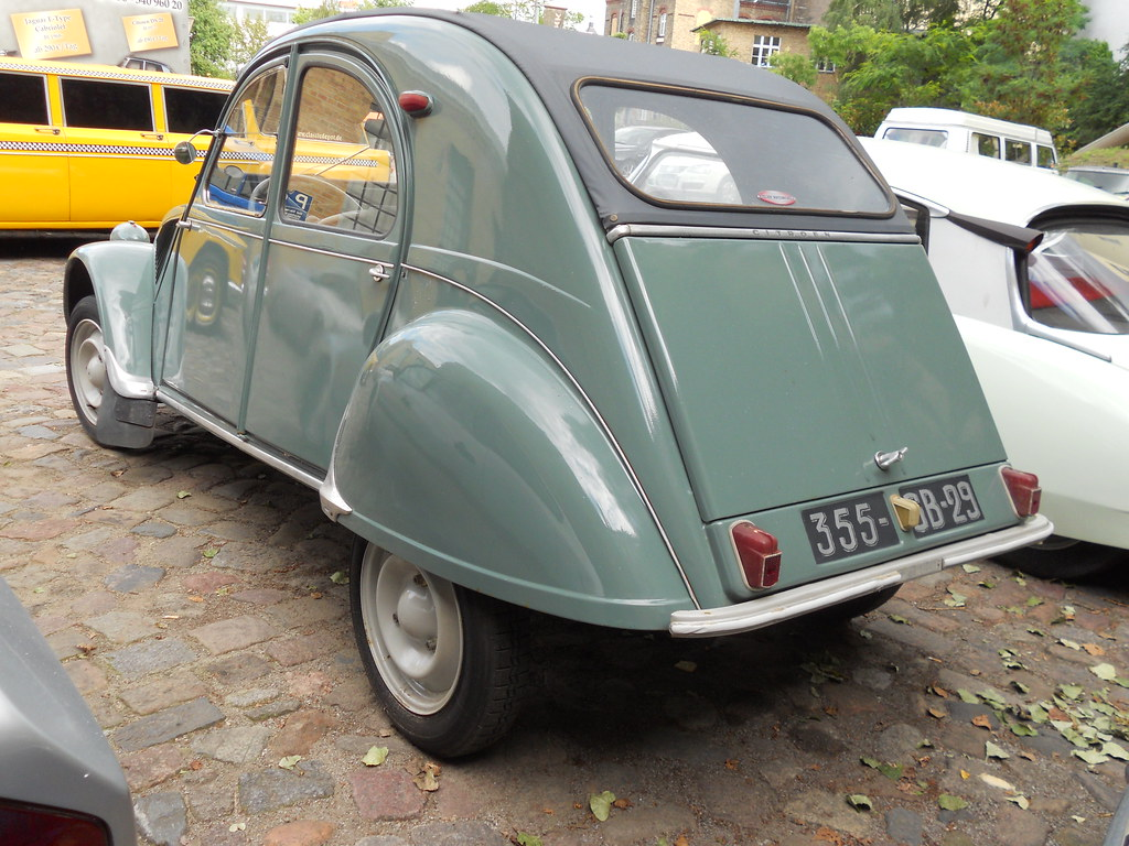 citroen 2 cv deux chevaux az 195 petite quimper t flickr. Black Bedroom Furniture Sets. Home Design Ideas
