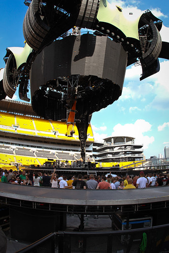 U2 in Pittsburgh | by atu2