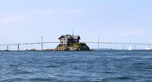 Clingstone In Front Of The Newport Pell Bridge Rhode Is