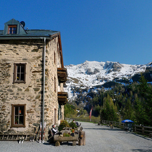 Waiting for your breakfast at Ammererhof Alpine Guest Hotel | by B℮n
