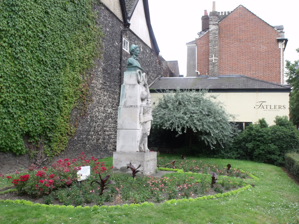 Laurel Court Norwich Properties For Sale