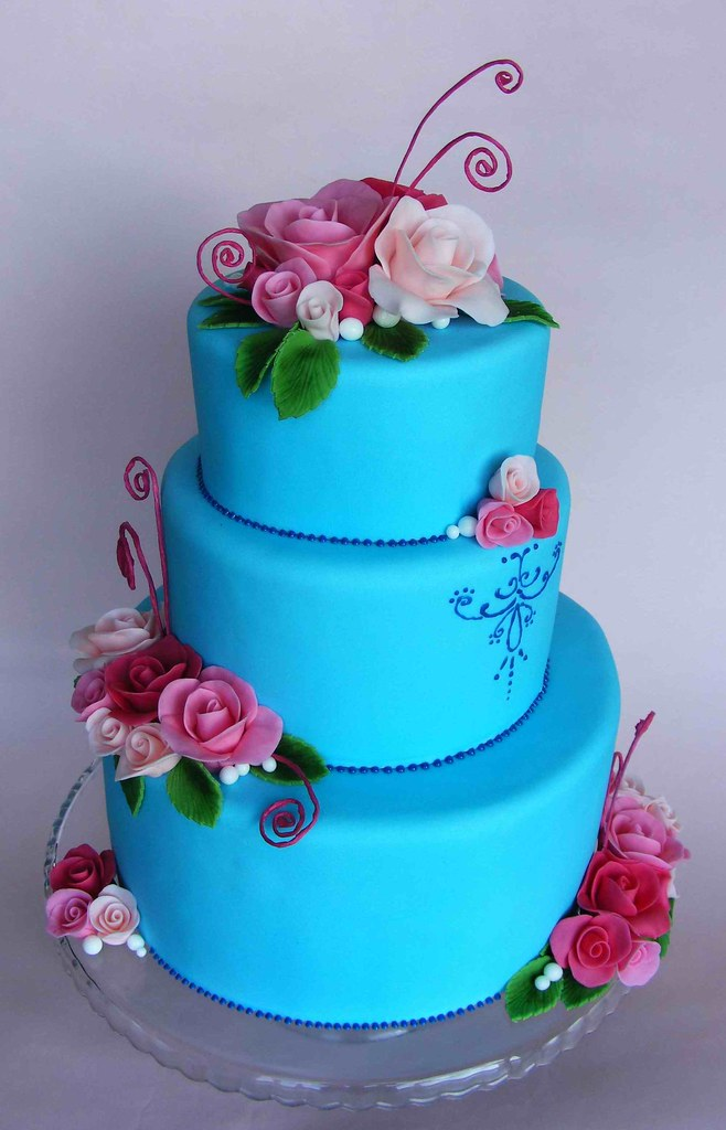 blue flower wedding cake blue wedding cake with roses i ve made this cake for the 11984