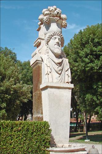 Jardin de la villa borgh se rome sculpture herm s for Jardin villa medicis rome