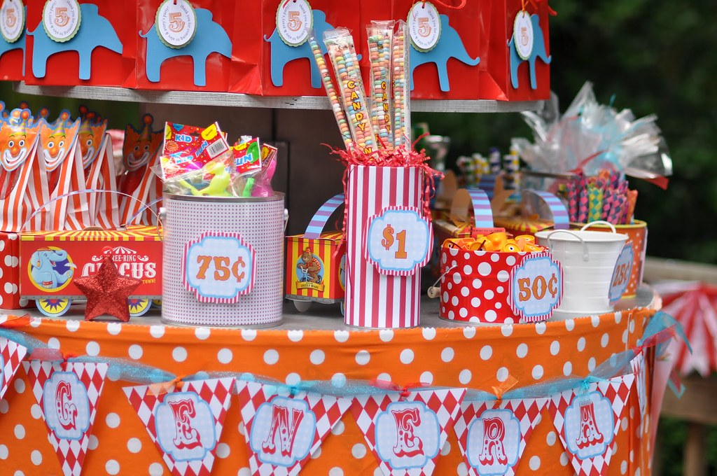 Circus Carnival Birthday Party Prizes 2 Amys Party Ideas Flickr