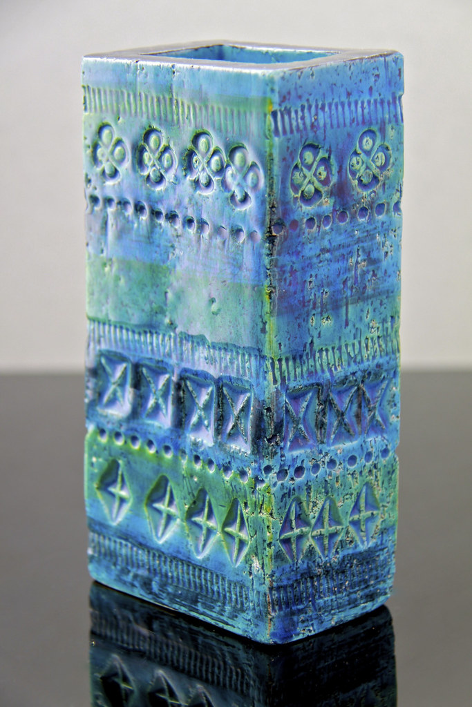 Bitossi Italian Pottery Rimini Blue Vase Aldo Londi Circa