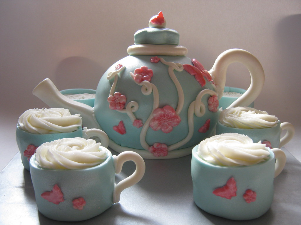 Tea Party Cake Images : Tea Party Cake Tea set cake for a birthday party. I love ...