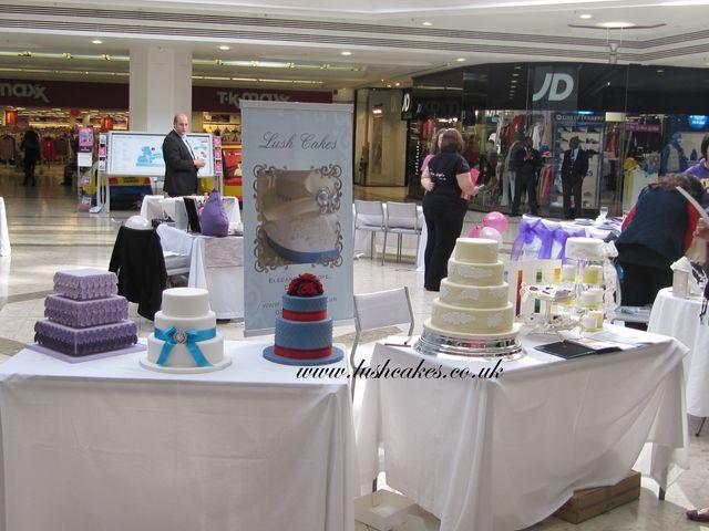 Debenhams Cakes Stand