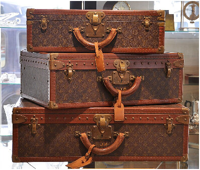 ruby lane 3pc vintage louis vuitton suitcases trunks lugga. Black Bedroom Furniture Sets. Home Design Ideas