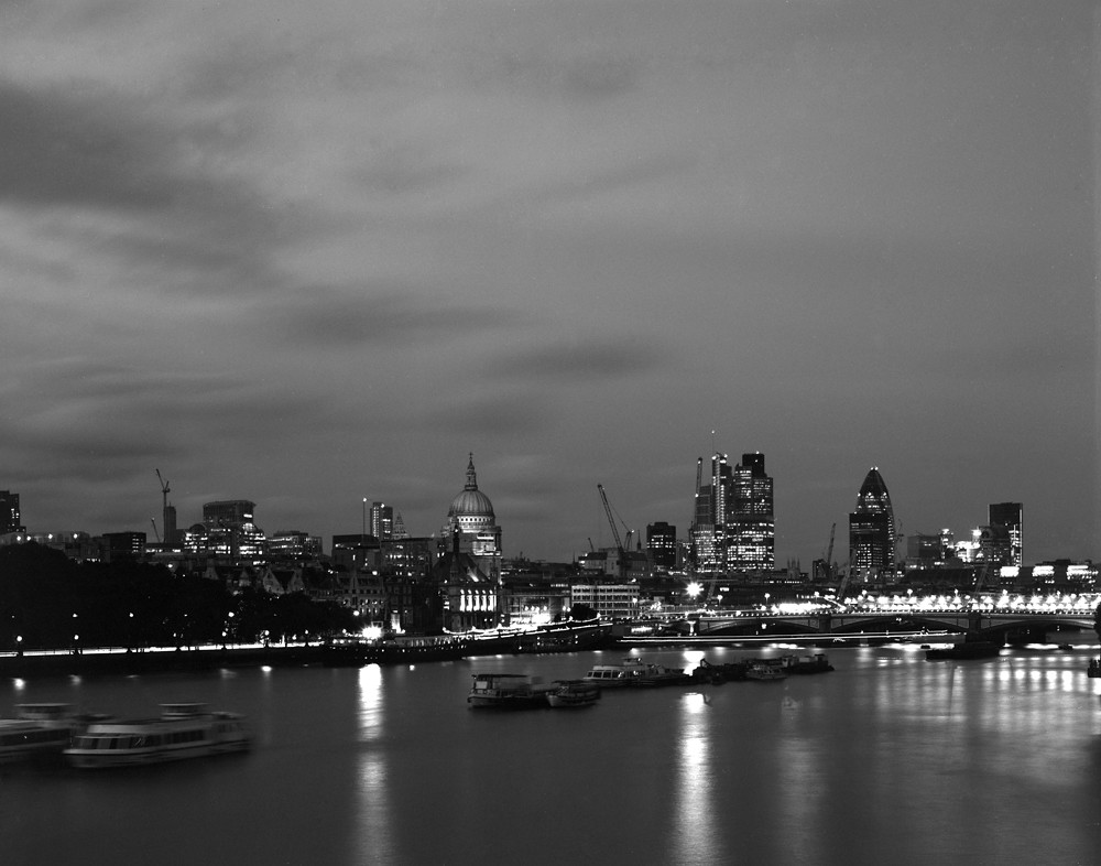 London skyline in Black and White with large format | Flickr | 1000 x 786 jpeg 234kB