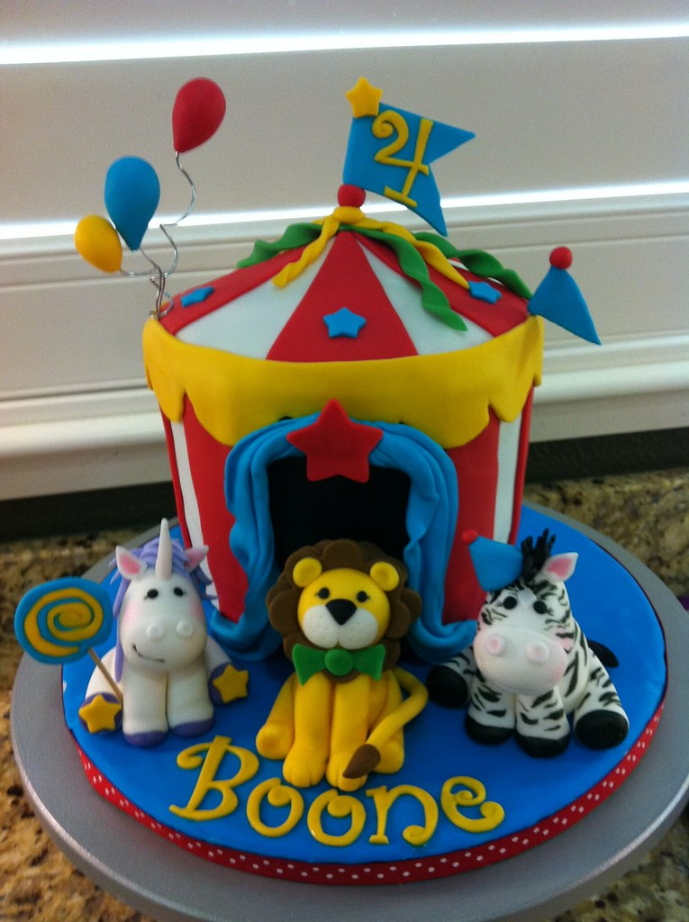 Circus tent Birthday cake and cupcakes 6 inch cake sculpt Flickr