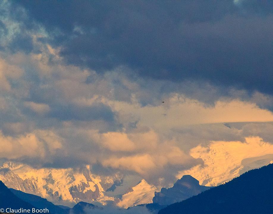 Fen tre sur le mont blanc fen tre de nuages qui s 39 ouvre for Fenetre qui s ouvre
