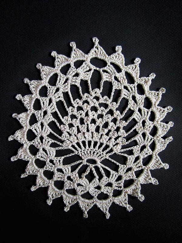 royale framboise | DMC petra 5 + crochet 1.75 mm motif ...