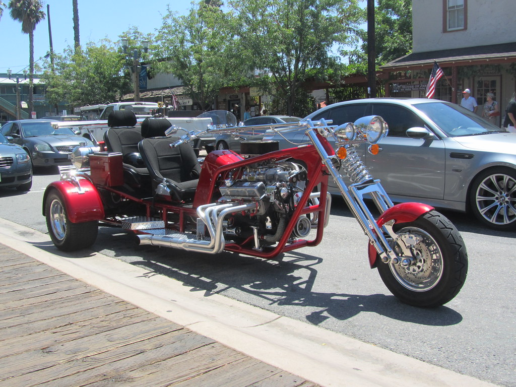 Motorcycle Two Seater Trike V6