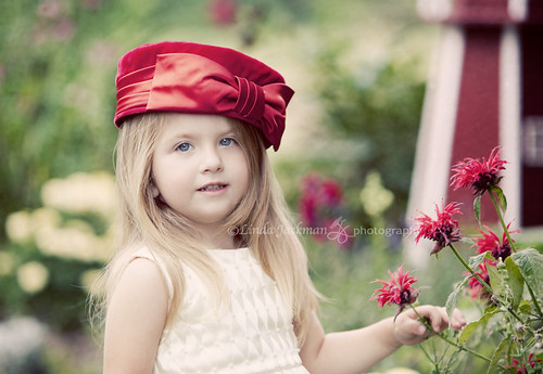 The Red hat | by Linda Jackman Photo