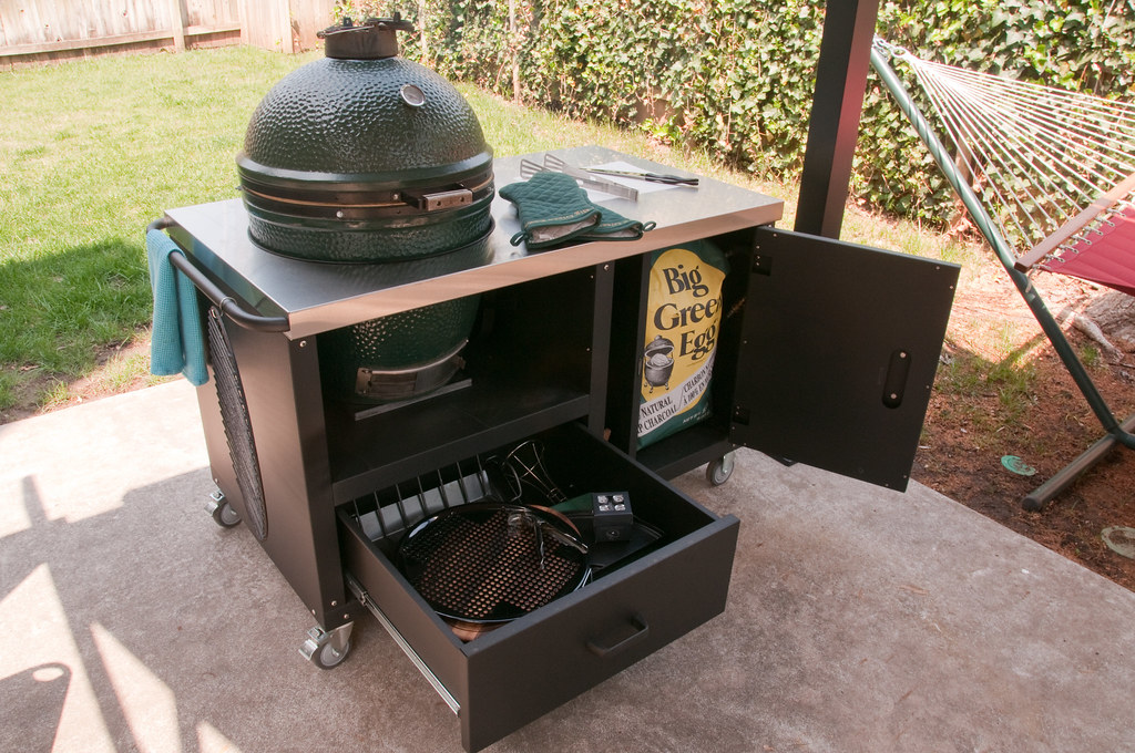 Fully utilized ceramic grill table for big green egg prim for B kitchen glass grill