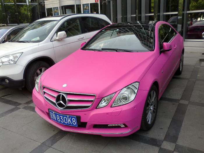 pink cars on sanlitun lu beijing 011 mercedes in today 39 s. Black Bedroom Furniture Sets. Home Design Ideas