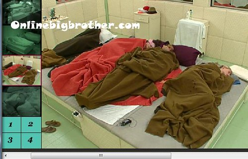 BB13-C3-8-3-2011-7_17_01.jpg | by onlinebigbrother.com