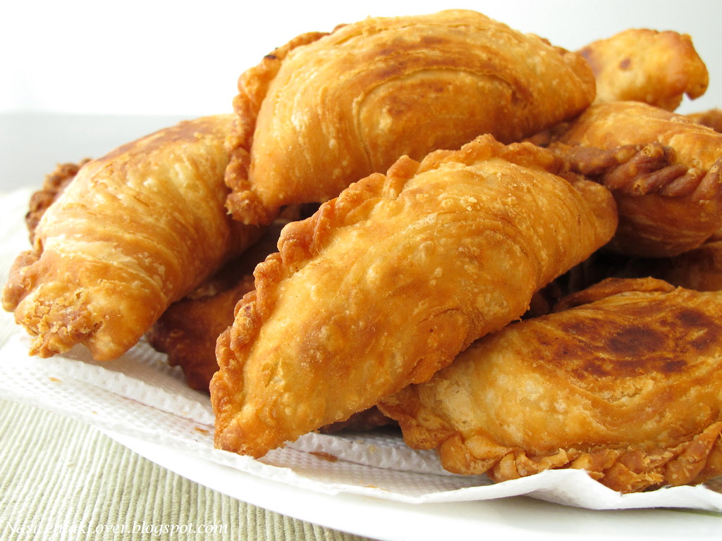 curry puff Calories in curry puff based on the calories, fat, protein, carbs and other nutrition information submitted for curry puff.