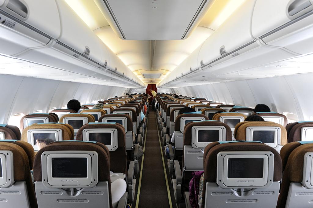 Garuda Boeing 737 800 Cabin Pk Gmm Dsc4172 Garuda