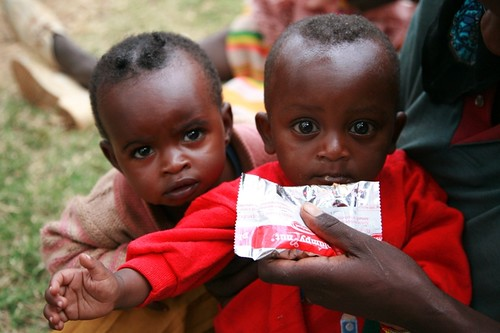 Children receive Plumpy'Nut nutritional aid in Ethiopia | by USAID Africa