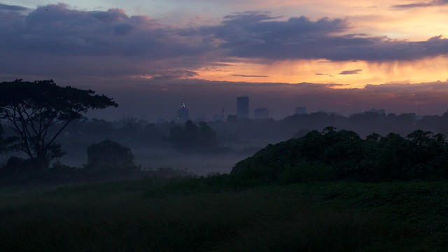 A misty evening in Quezon City
