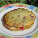 Rote Johannisbeer Dinkel-Whoopies mit weißer Schokolade
