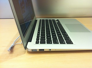 MacBook Air 13'' - Left | by Sikachu!