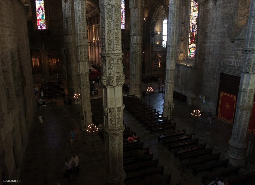 Les proportions de l'église et de sa nef principale son généreuses