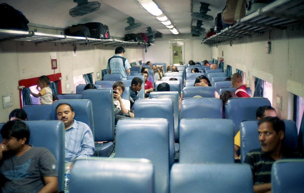 inside the h nizamuddin jhansi inside the taj express the