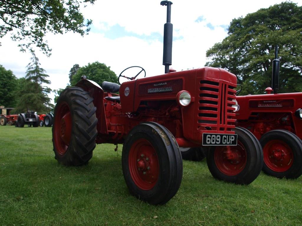 1960 International Tractor : International harvester b farm tractors