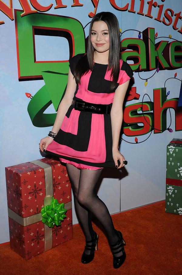 Share your miranda cosgrove nude legs And