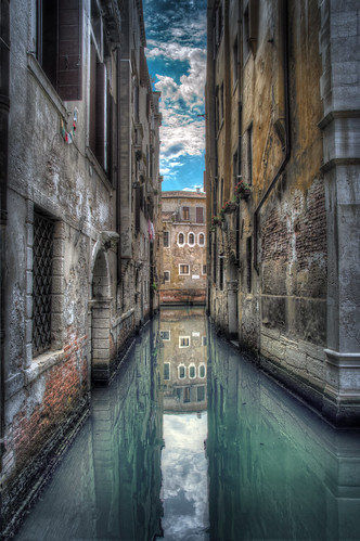 just around the corner in venice | by Eddy Alvarez