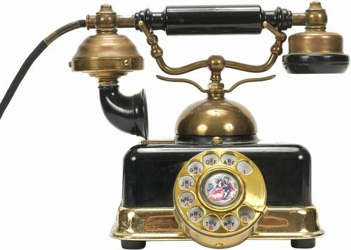 the life of alexander graham bell and how he invented the telephone His everyday life and when he died were could have been if alexander bell never invented the telephone alexander graham bell inventions telephone.