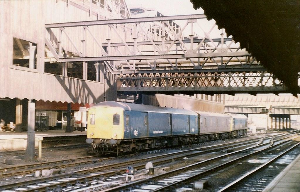 Manchester Victoria Gloucester Rc Amp W Class 128 Parcels Unit