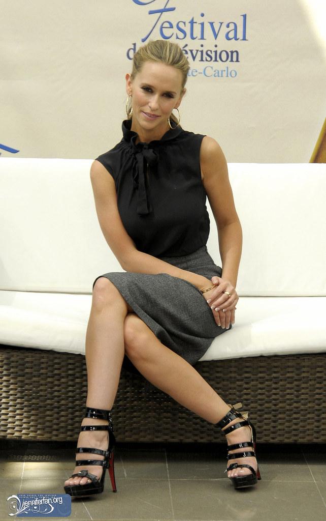 love foot Jennifer hewitt