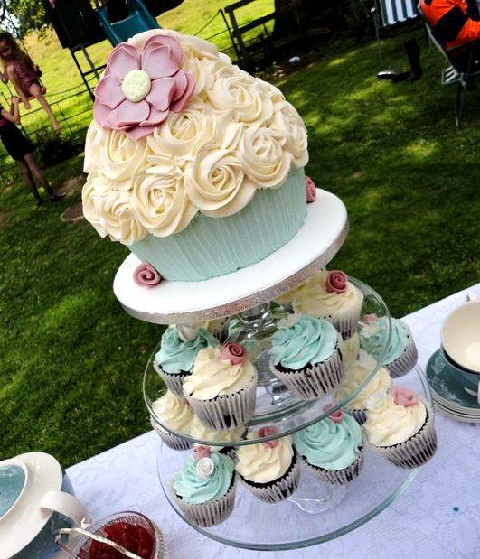 Adored Vintage 10 Vintage Inspired Wedding Cakes: Vintage Style Giant Cupcake Display