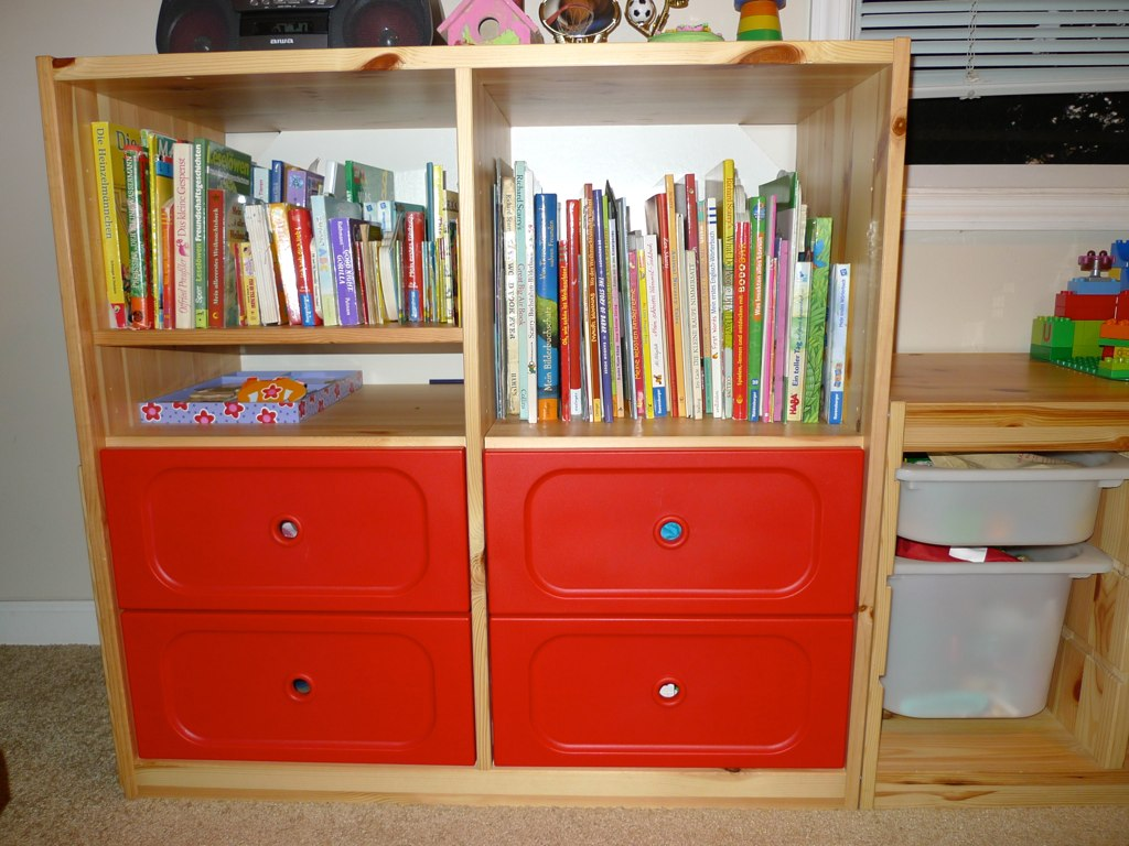 Sold ikea trofast left cabinet with 4 red drawers for Mobile trofast