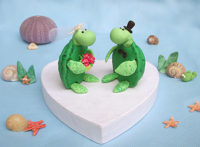 sea turtle wedding cake topper sea turtles cake toppers with magenta orchids bouquet 19729
