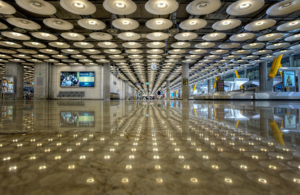 Airport aeropuerto barajas terminal 4 madrid spain h - Terminal ejecutiva barajas ...