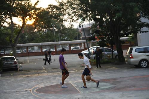 Kids Playing Basketball At Chung Hwa High School Blogged